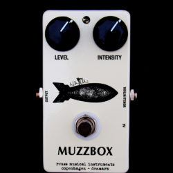 Reuss Muzzbox Warren Ellis signature